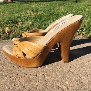 "Steve Madden ""hangout"" tan and wood heels"